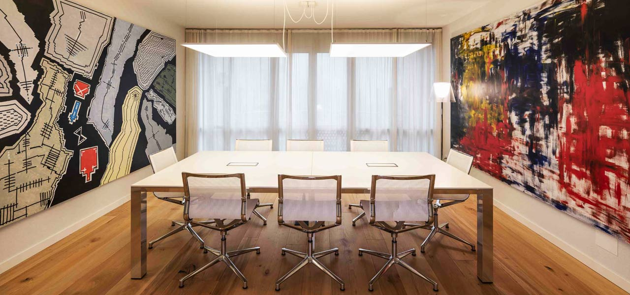 01. Elegant workplace
